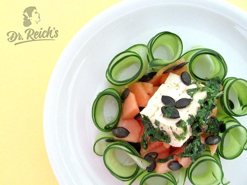 Kalorienarm satt - Dr Reichs Hot, Hot Summer Salad – erfrischend, FODMAP arm, glutenfrei, laktosefrei