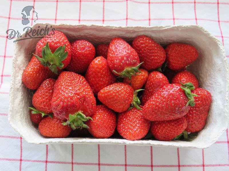 Dr. Reich´s Salat Zutat: frische Erdbeeren
