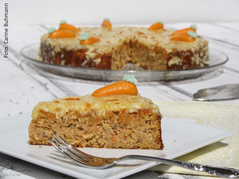FODMAP Kuchen ohne Mehl stattdessen mit Rüebli und Nüssen - ein Foto von Carine Buhmann